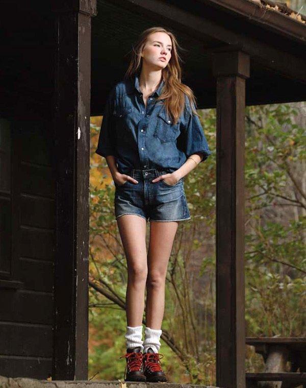 Фотки девушек в джинсовых шортах с очень большими попами фото 699-749