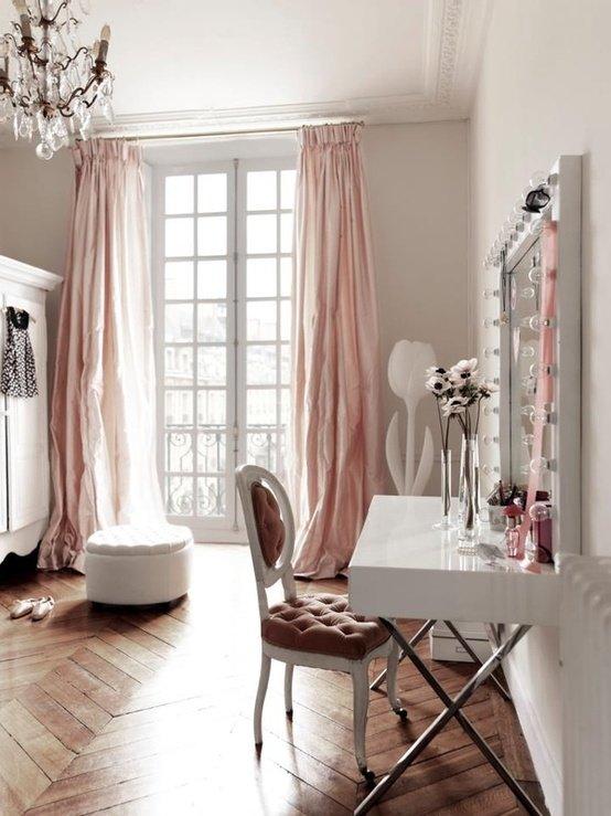 Интерьер в нежно розовом