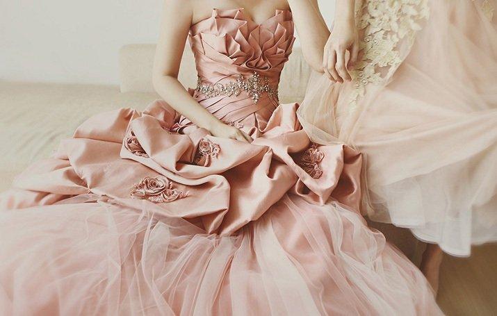 Нежный розовый цвет в одежде