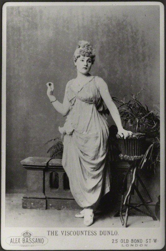 Антикварные фото актрисы Belle Bilton