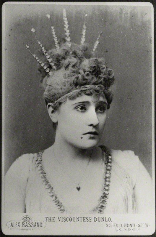 Антикварное фото актрисы Belle Bilton