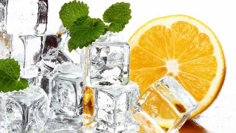 Замороженные кубики льда для протирания лица – рецепты