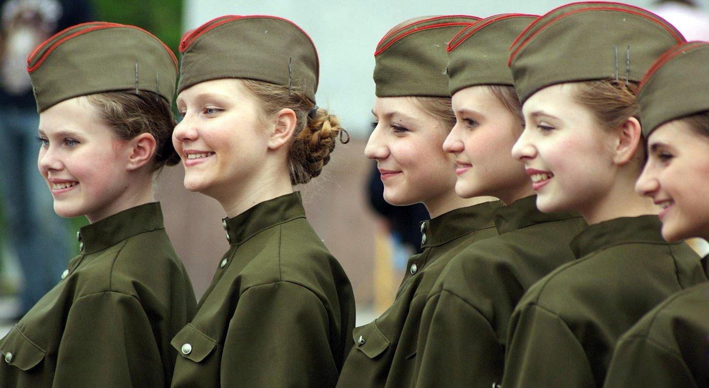 девка в солдатской казарме