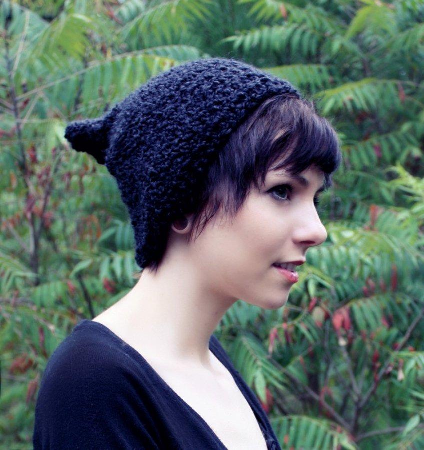Красивая вязаная шапочка, фото