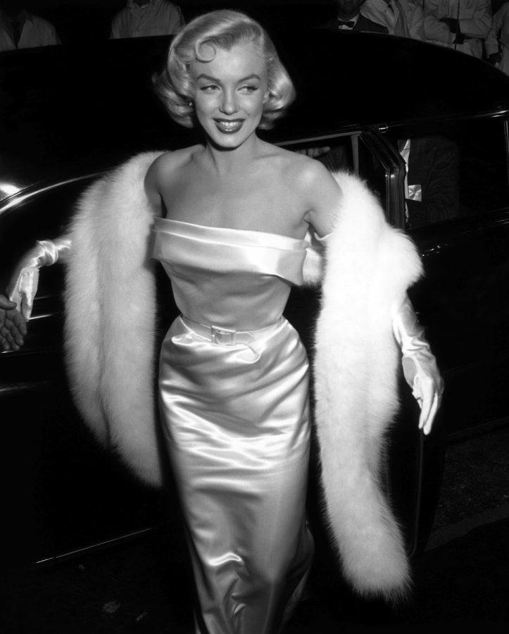 Мэрилин Монро фото в красивом платье