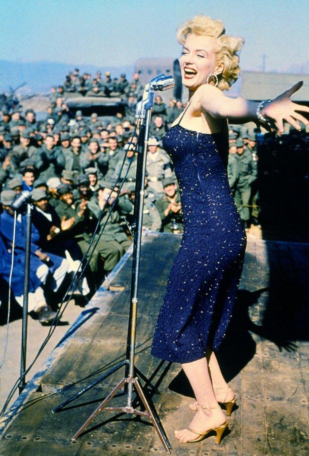 Выступление Мэрилин Монро перед солдатами