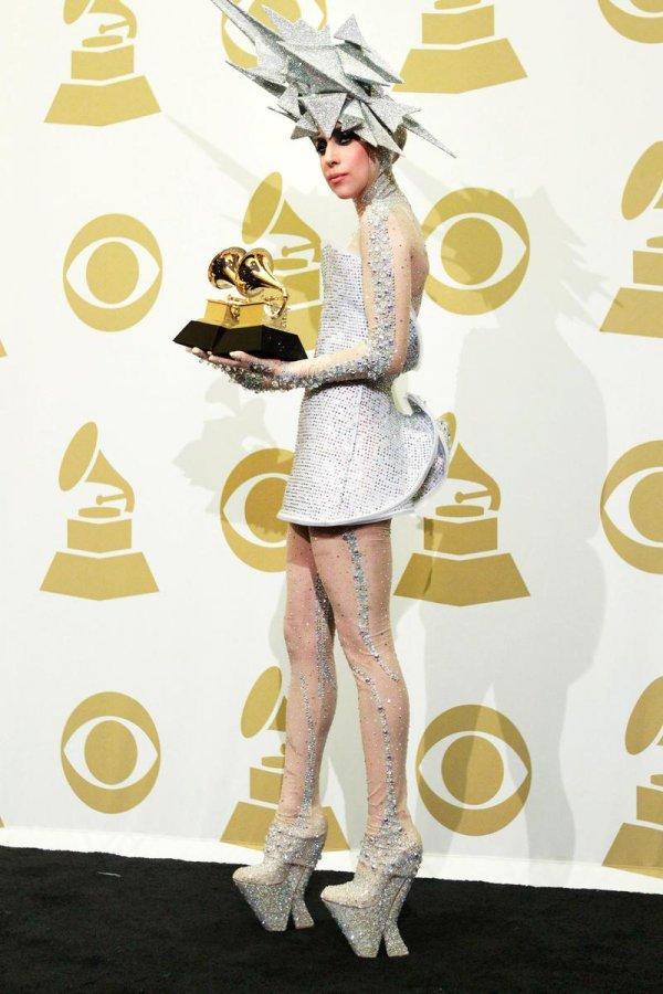 Фото платья певицы Леди Гага