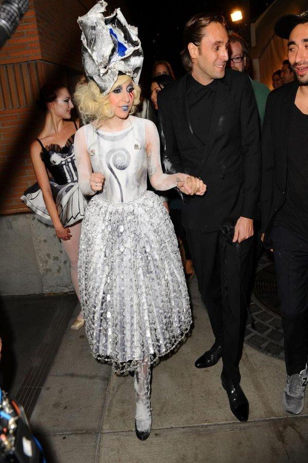 Самое красивое платье Леди Гага