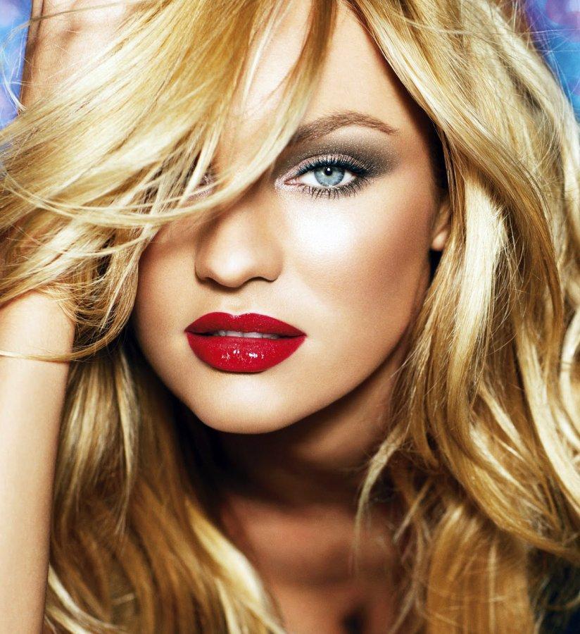 Красивая блондинка, фото
