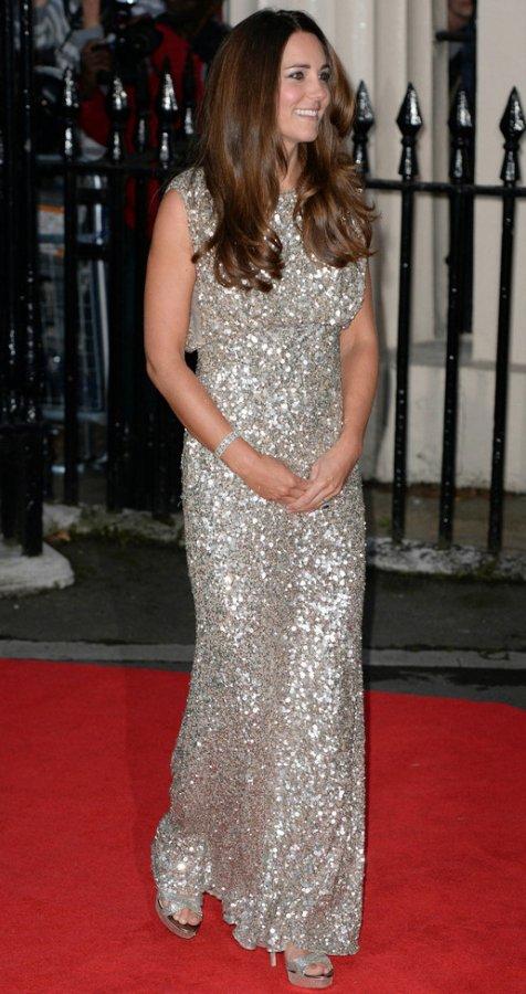 Фотография Кейт в красивом платье