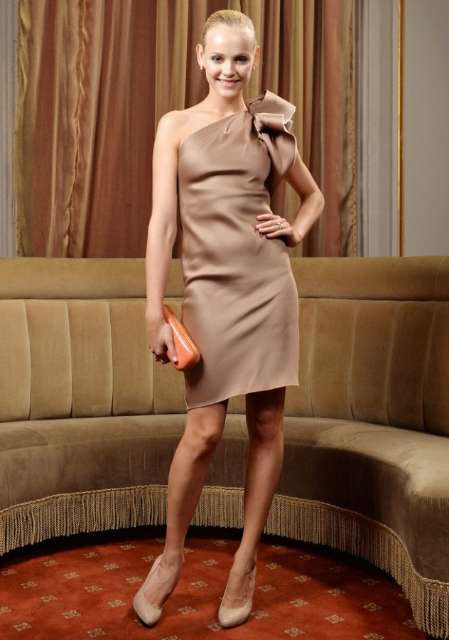 Гинта Лапина – фото в платье