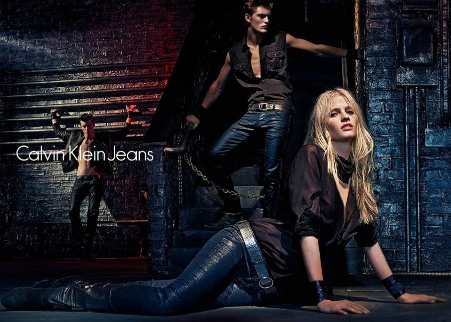 Рекламная компания джинсов Calvin Klein