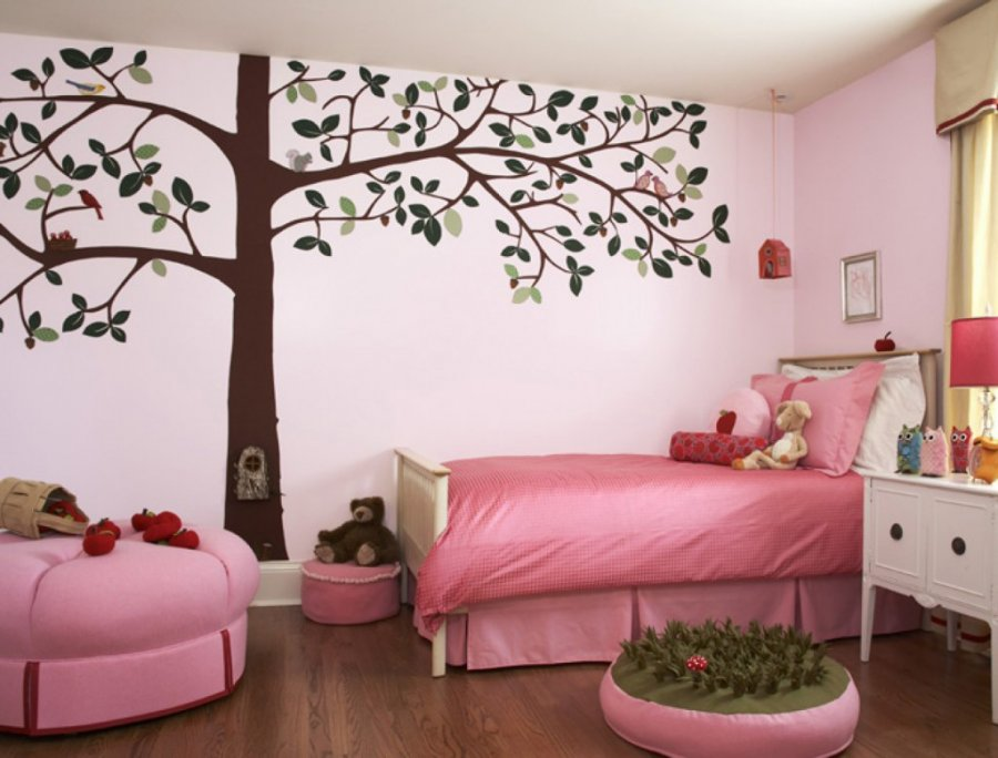 Интерьер в розовых оттенках