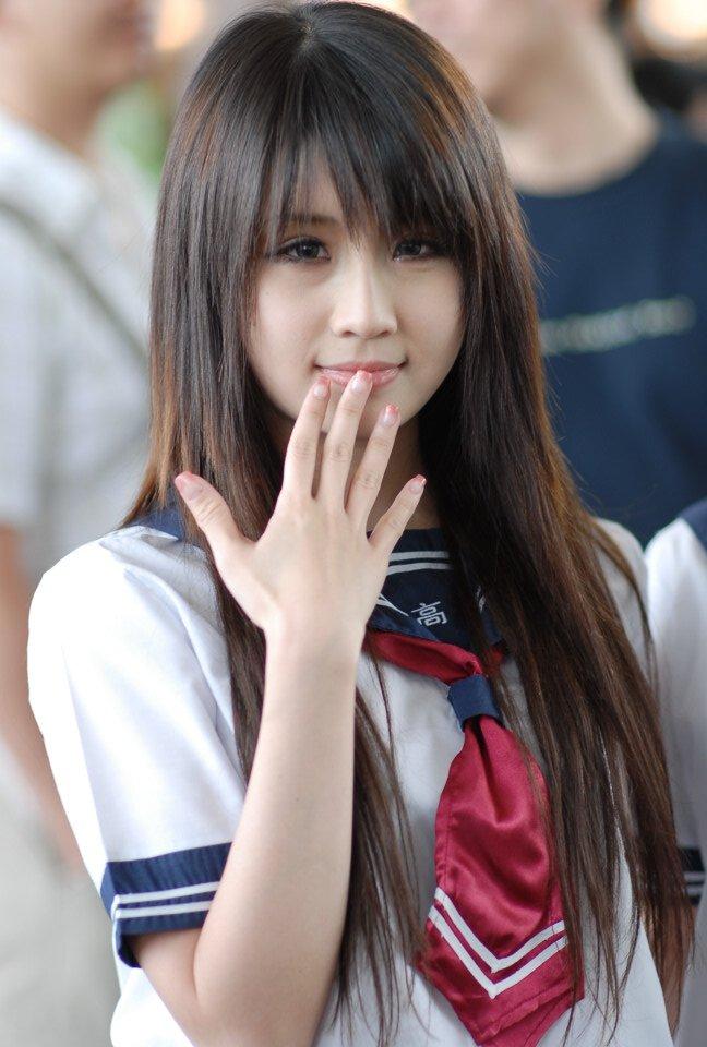 Очень красивая японская девушка