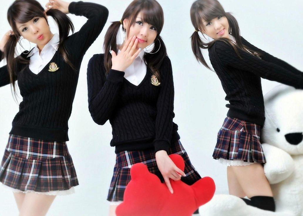 девушки в японских юбках виду они