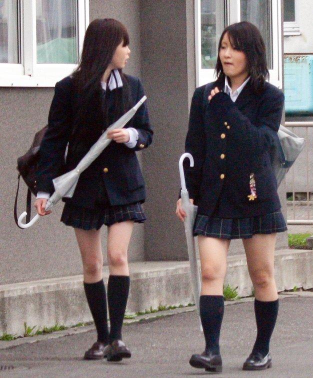 девушки с зонтиками, фото