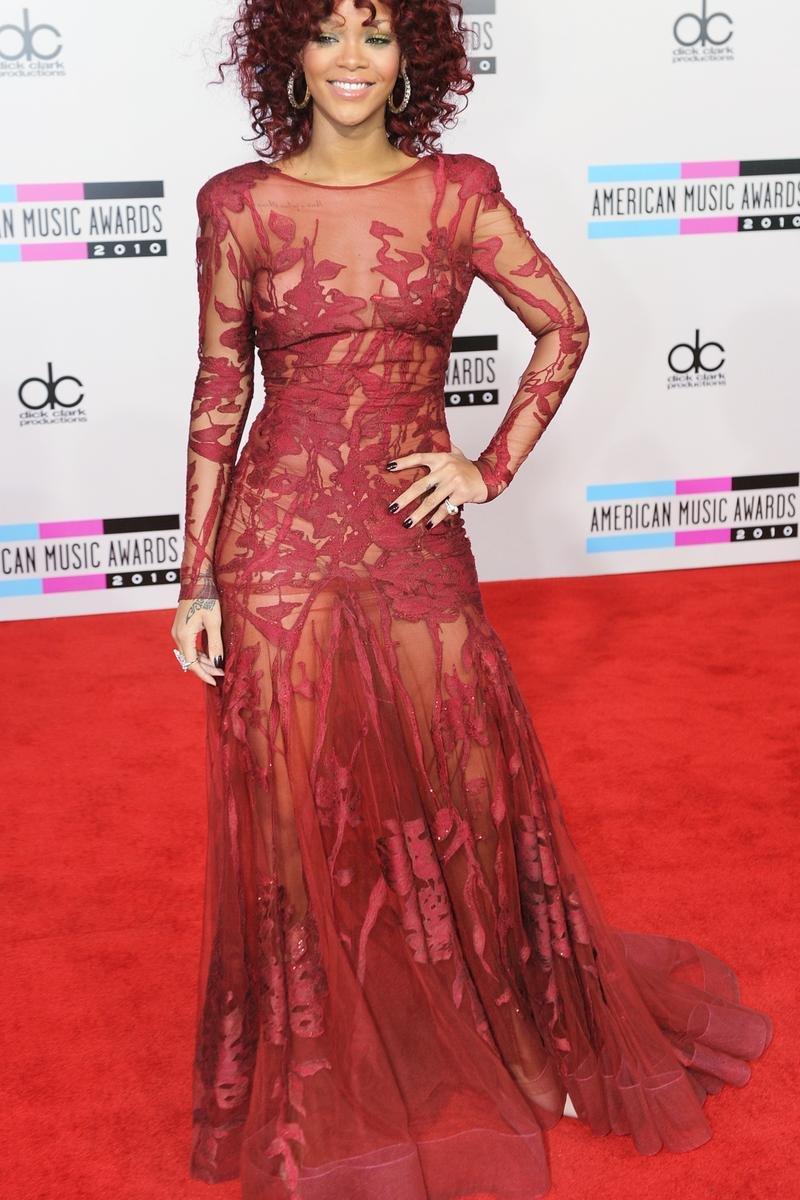 Рианна платье 2014