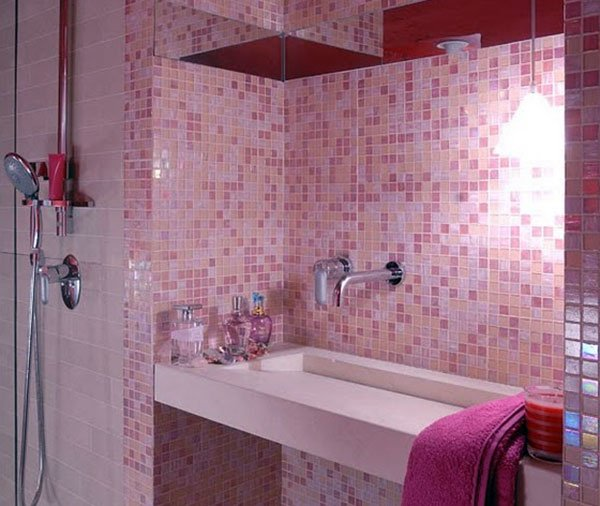 Ванная комната в розовых тонах
