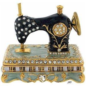 Шкатулка – швейная машина