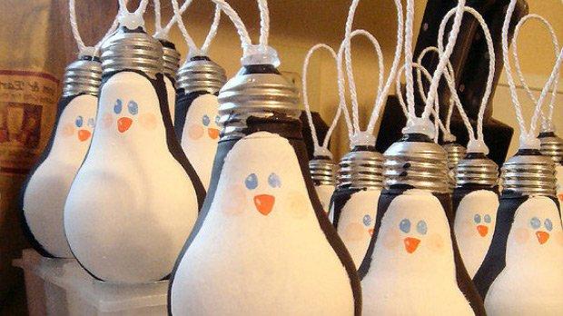 Новогодние шары из лампочек