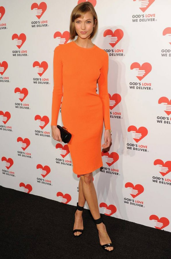 Оранжевое платье, фото
