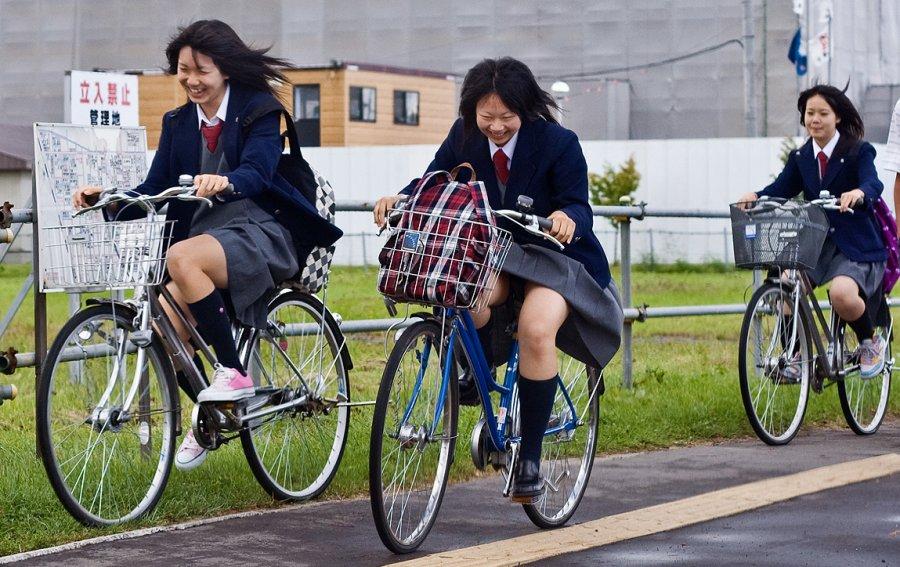 Девушки, фото на велосипедах