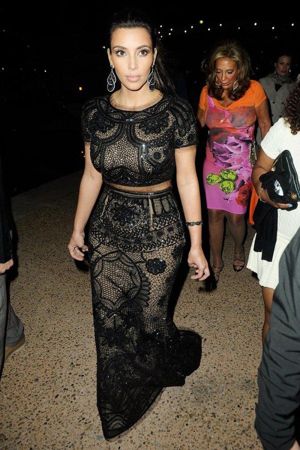 Черное кружевное платье, фото