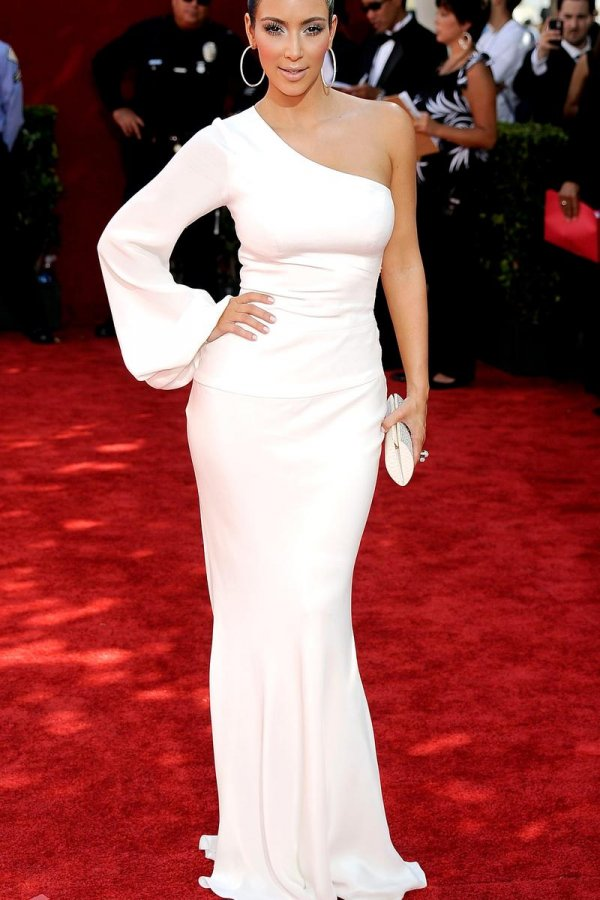 Ким кардашьян платья фото