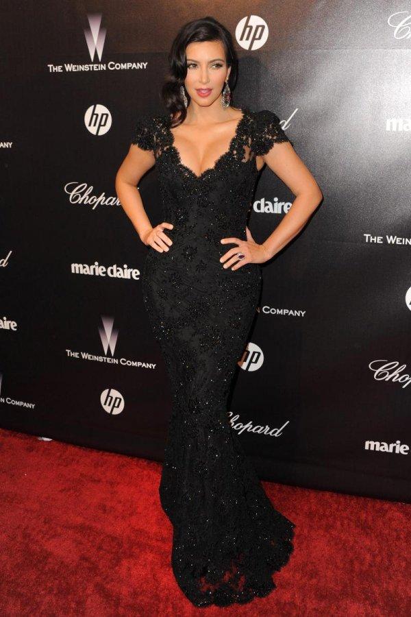 Черное ажурное кружевное платье со шлейфом