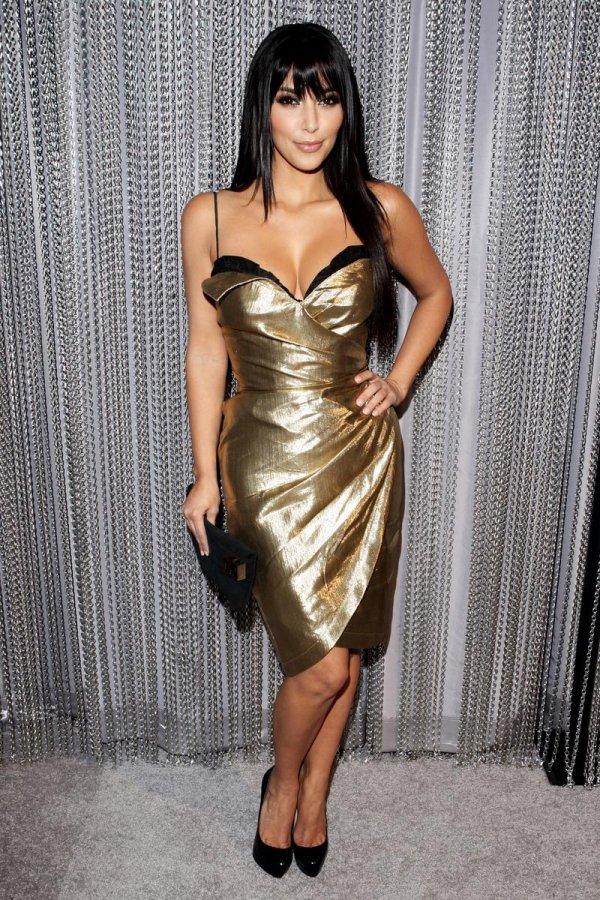 Золотое платье с металлическим блеском