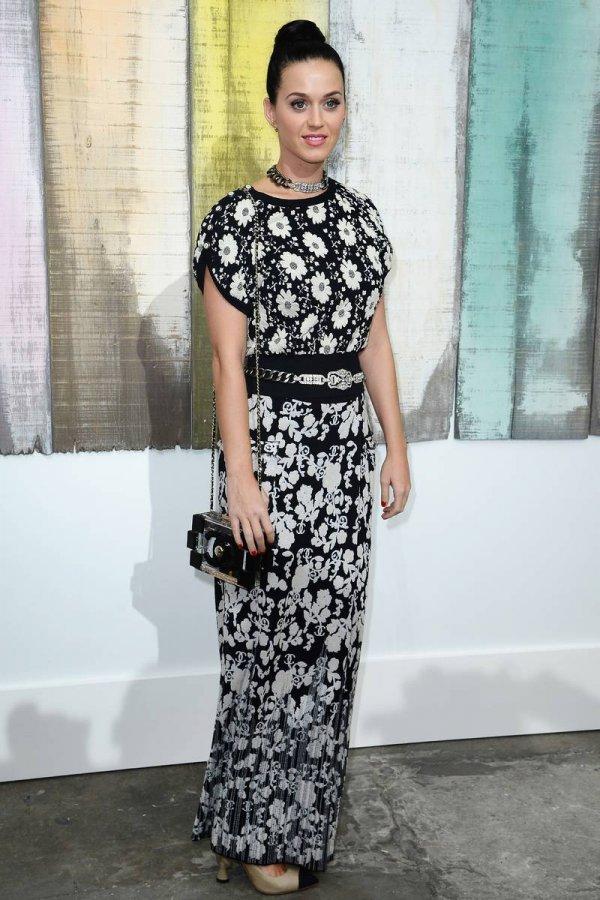 Кэти Перри – платье в цветочек
