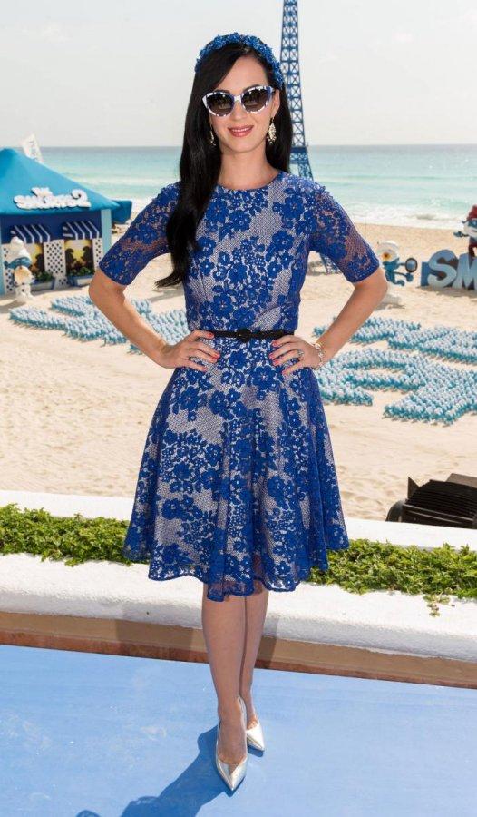 Синее платье певицы Кэти Перри