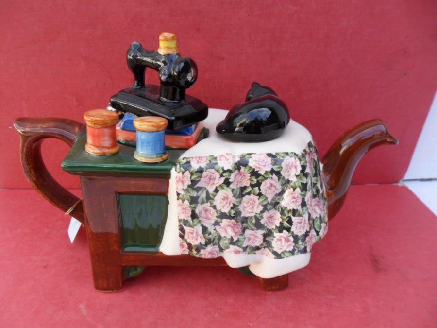 Сувенир – чайник швейная машинка