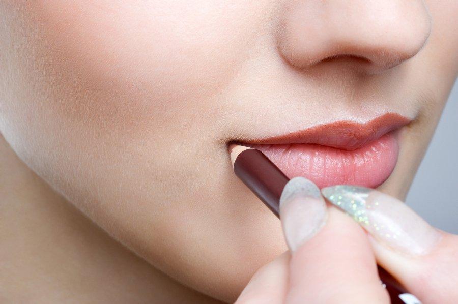 Правила макияжа контур для губ