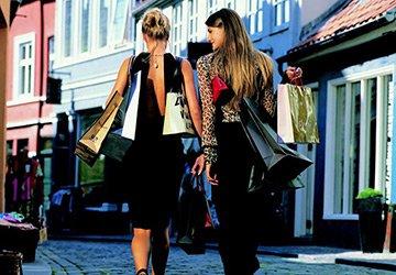 Как правильно покупать одежду и аксессуары