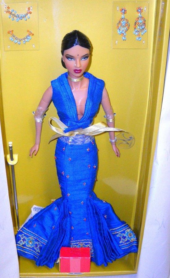 Новая кукла с одеждой от Джейсона Ву