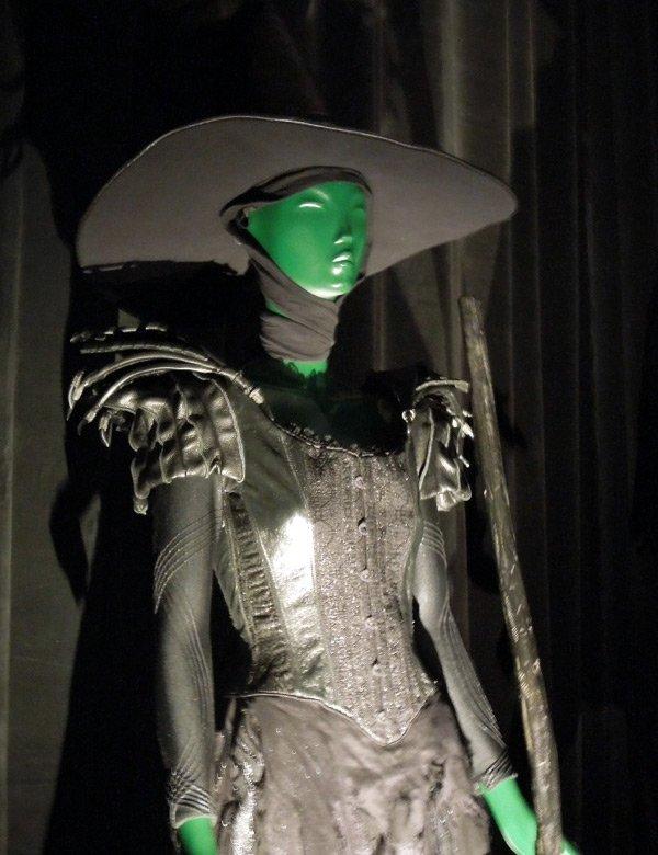 Платье и шляпа для ведьмы