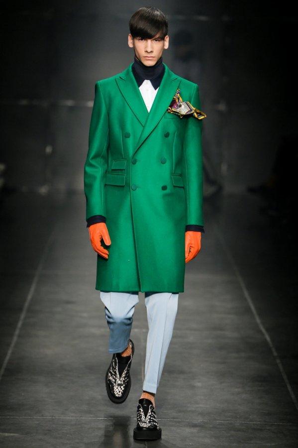 Яркая одежда для мужчин Andrea Pompilio