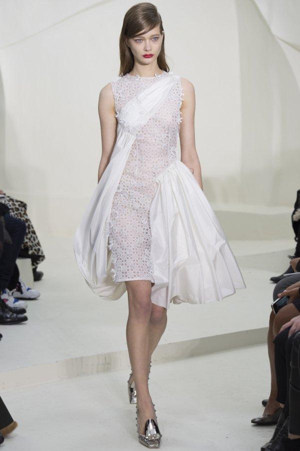 Белое платье весна-лето 2014
