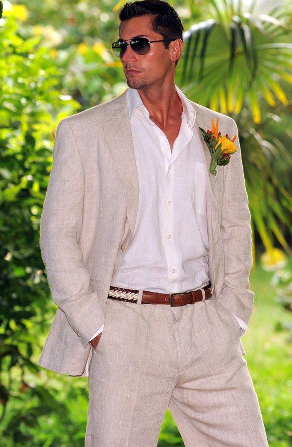 Мужской костюм из льняной ткани