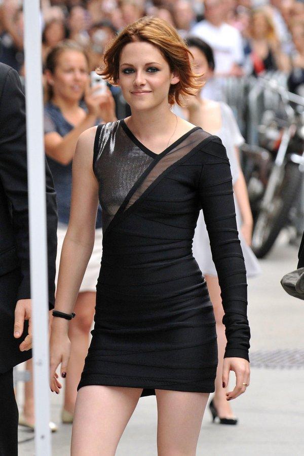 Короткое черное платье, фото