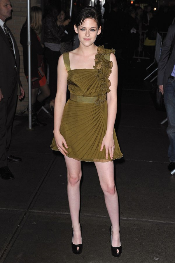 Короткое платье Кристен Стюарт