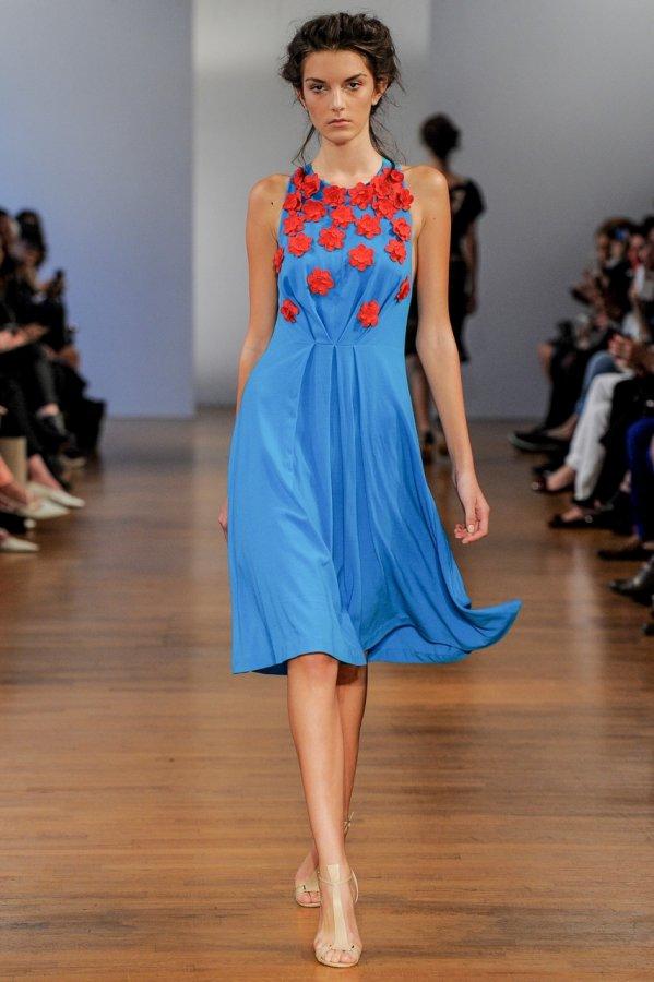Летнее платье в цветочек 2014