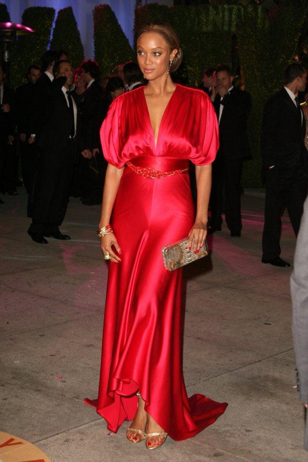 Тайра Бэнкс – фото в красном платье