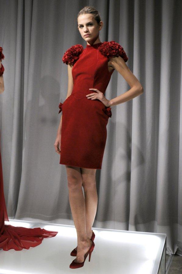 Красное платье Marchesa