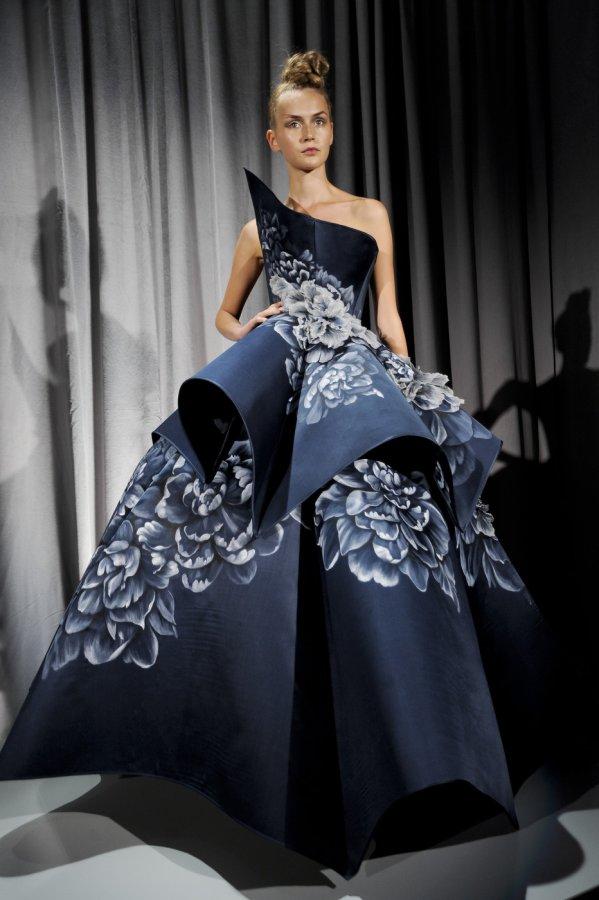 красивое платье Marchesa