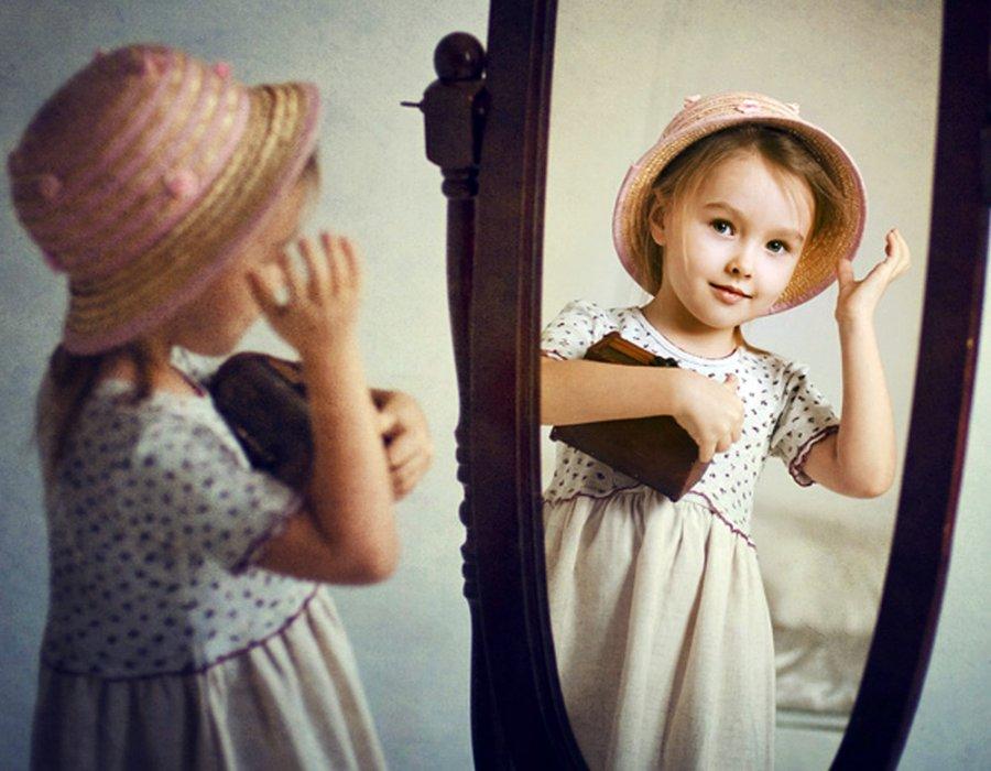 Девочка и зеркало – первое впечатление