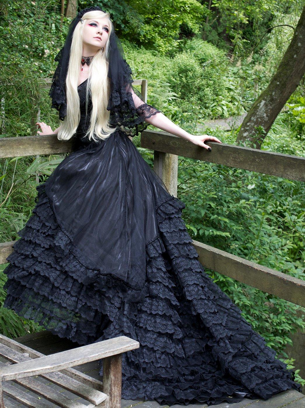 Купить платья в готическом стиле