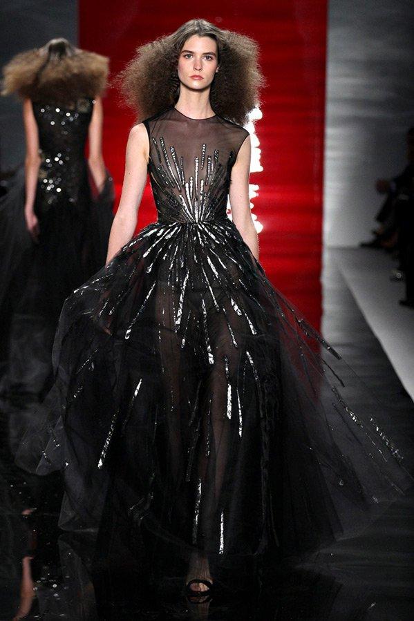 Черное бальное плате, фото