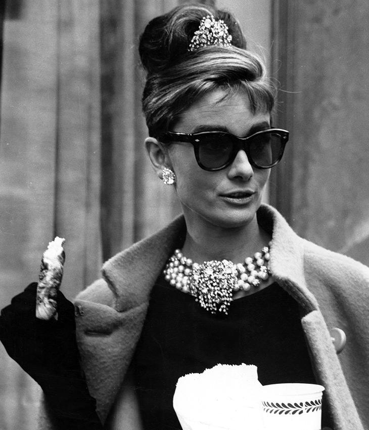Одри Хепберн в очках Wayfarer - путник